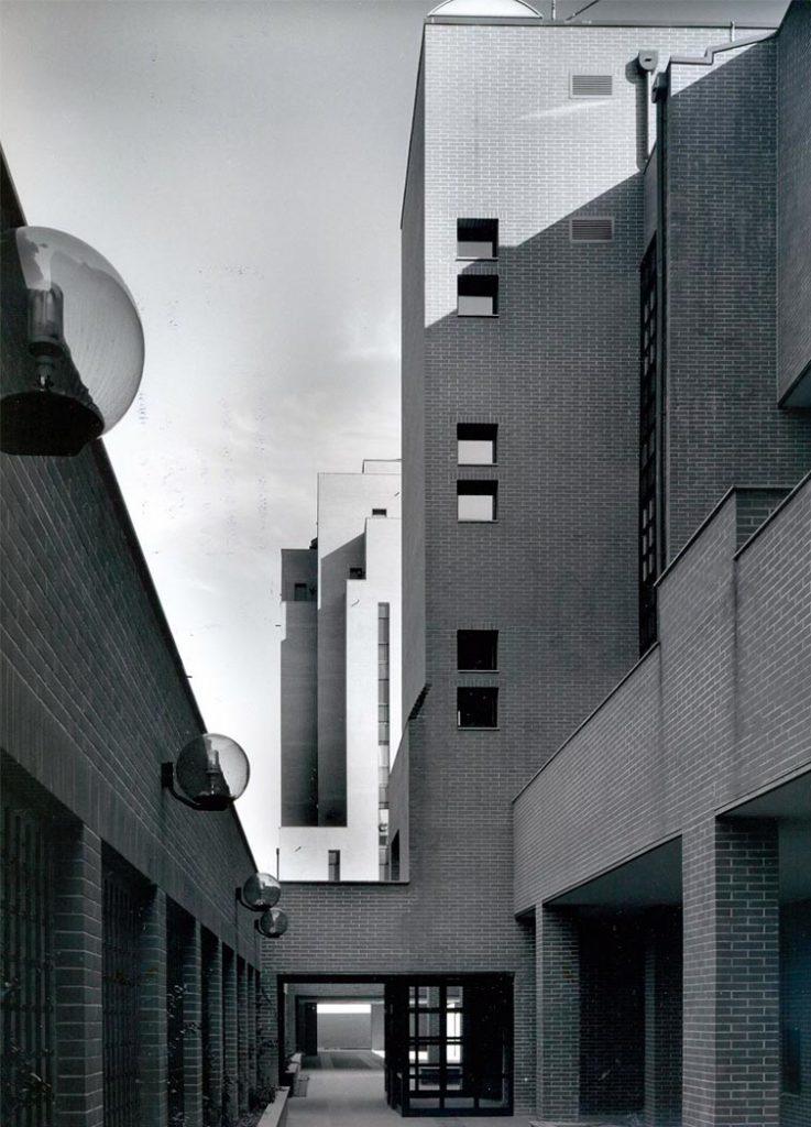 Casa d'abitazione in via Calco 2 (conEnrico Freyrie), Milano 1954-1956